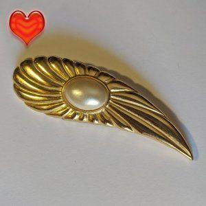 VTG Gold Tone Paisley Shaped Fx Pearl Brooch Pin